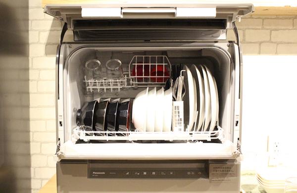 Panasonic(パナソニック)のスリム食洗機の庫内