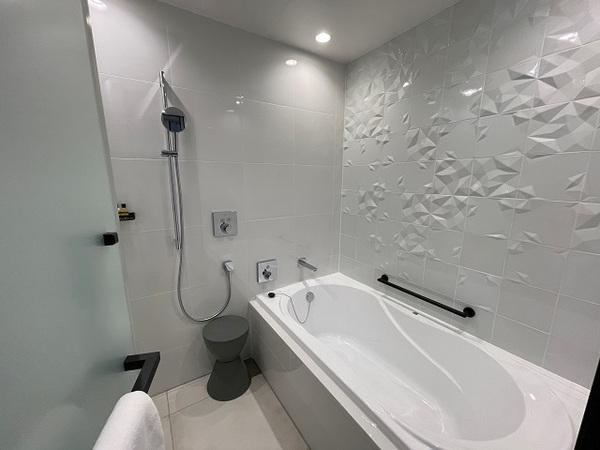 アロフト大阪堂島、浴室