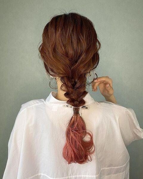 式典にも使えるスーパーロングのまとめ髪