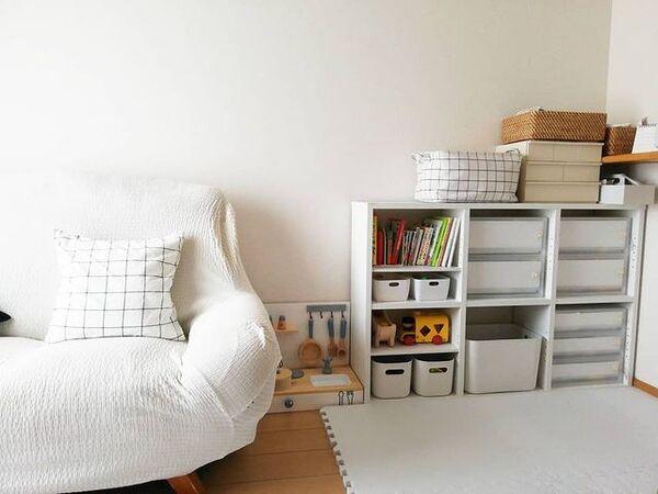 ソファ横のおもちゃスペース