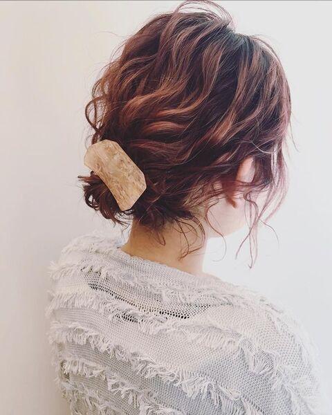 巻き髪で短くてもOKなボブヘアアレンジ