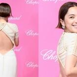 中村アン、美背中を大胆披露! ダイヤモンド輝かせ「すごく幸せ」