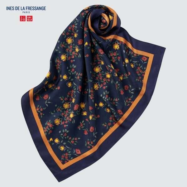 ユニクロのシルクプリントスカーフ