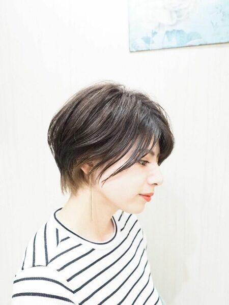 冬に映える髪型のインナーショートヘア