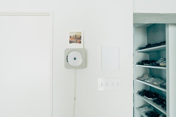 インターフォンカバーにしているお菓子の空き箱