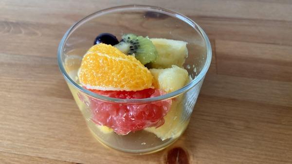 無印良品 「強化ガラス ボデガ」Sサイズにフルーツを入れる
