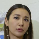 鈴木紗理奈 オシャレな自宅リビングでストレッチ 美腹筋披露に「凄い割れてる」「見事な腹筋」の声