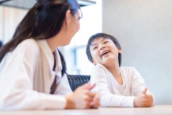 上の子の中学受験期、日常のお世話から勉強のサポートまで、上の子を中心に生活が回っていくと思います。その間、なかなか構ってあげられない下の子への関わり方を考えます。