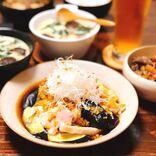 バリエ豊富な鶏肉×なすレシピ14選。メイン~おかずまで食事がすすむ人気メニュー