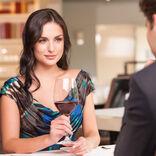 せっかくのデートが…男性が引いてしまう「お酒にまつわる」NG言動