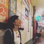 高岡早紀、美しい横顔…昭和レトロにタイムスリップ!?