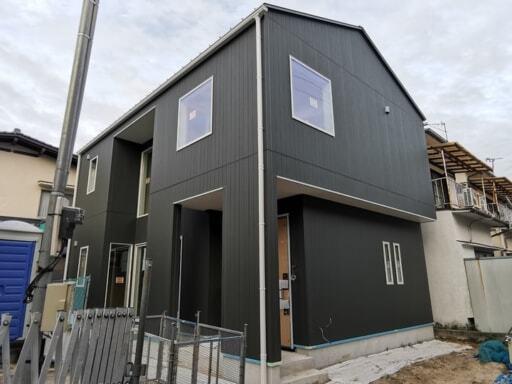 建設中の戸建て住宅