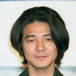 吉岡秀隆、真っ白な白髪頭に視聴者驚愕「一体何があったんだ?」