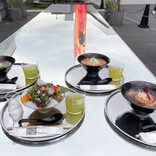 チームラボのアート空間でヴィーガンラーメンを味わう 「Vegan Ramen UZU Tokyo」とは