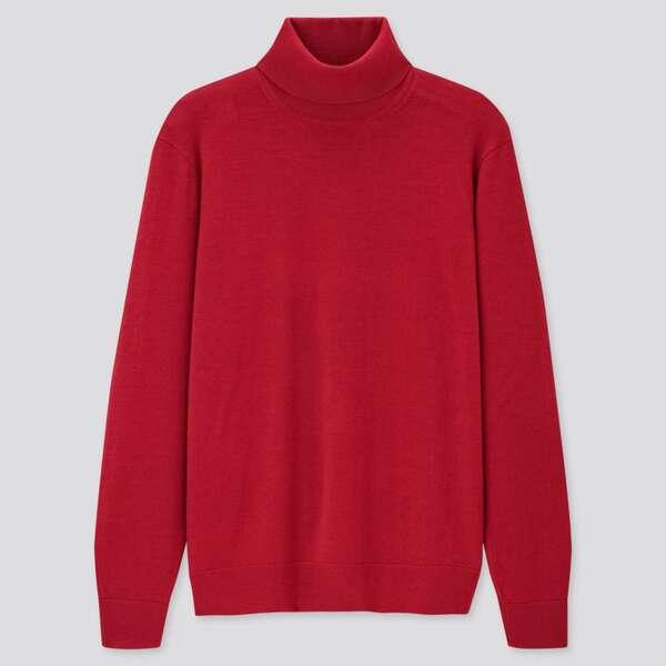 赤タートルネックセーター