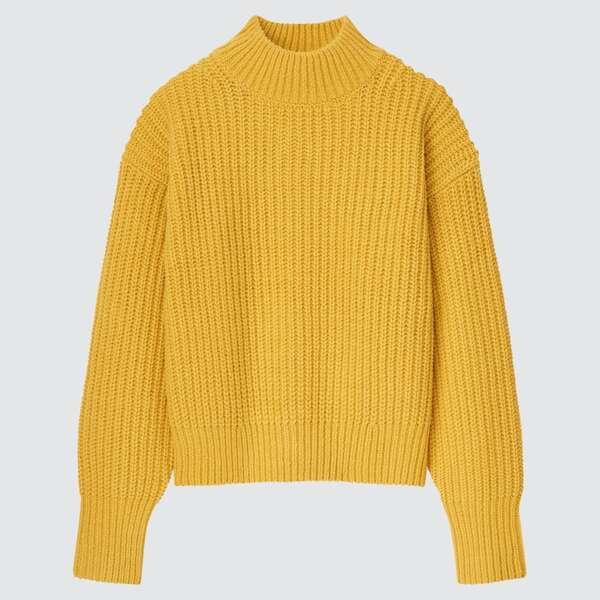 ユニクロ黄色セーター