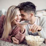 イニシャルで相性を占う…相性抜群♡「自然体でいられるカップル」【10位~6位】