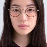JINS、頬の血色感アップが叶う新レンズ「チークカラーレンズ」発売 - ヘルシーな「ピーチピンク」など3色展開