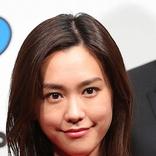 桐谷美玲 花柄の新スマホケース披露 笑顔のショットに「オトナ可愛い」!「顔ちっちゃ」の声も