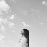 "FAKYのAKINA、""愛に溺れた未熟な過去の自分""に向けた新曲をリリース"