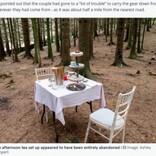 森の中になぜかテーブルセット「アート作品」「プロポーズに失敗?」憶測飛び交うも、その事実に拍子抜け(英)
