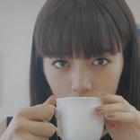 池田エライザ、江戸切子を体験!出来栄えに満足げ