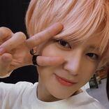 INI・佐野雄大、前髪のヘアクリップが可愛すぎる。おでこ全開で既に天使?