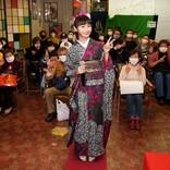 グラビアもできる演歌歌手・望月琉叶が浅草ヨーロー堂で初めての有観客キャンペーン!