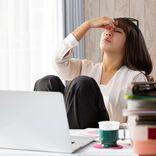 眼の疲れから、うつ症状も。PCやスマホの疲労を和らげる秘訣を眼科医に聞いた