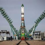 「ニジニ・ノヴゴロド800周年」記念ロケットでプログレスMS-18発射台へ