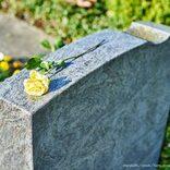 初デートで「君を母に紹介したい」 墓に連れて行かれた女性の恐怖体験が話題に