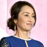 """矢田亜希子、Gパンにパーカー カジュアルな姿で""""コストコ""""来店ショットに反響"""